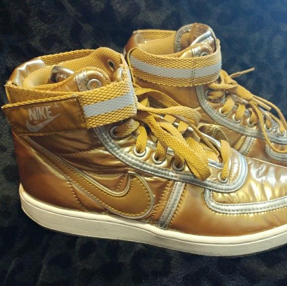 buy popular 240b1 c31d0 Gold Nike mid AF1s